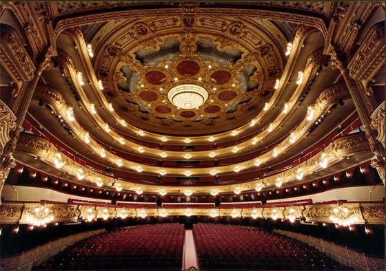 La Sala vista desde el escenario.