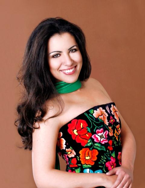 Soprano Maria Alejandres